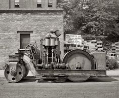 Crawford Paving Company Paver Vintage Photograph X Reprint Heavy Construction Equipment, Heavy Equipment, Road Construction, Asphalt Plant, Shorpy Historical Photos, Old Tractors, Heavy Machinery, Old Tools, Ww2 Aircraft