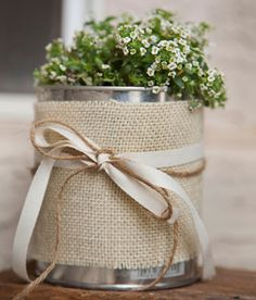 The Hankful House: Make flower pots out of paint cans Tin Can Crafts, Arts And Crafts, Burlap Crafts, Diy Crafts, Pot A Crayon, Bridal Decorations, Deco Floral, Sewing Art, Deco Table