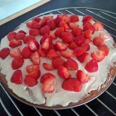 Aardbeientaart Strawberry, Cakes, Fruit, Food, Cake Makers, Mudpie, Strawberry Fruit, Hoods, Meals