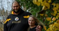 He Helped Ex-Players Get Benefits. His Family Is Still Waiting.    Mike Webster, who died in 2002, was the first N.F.L. player to receive a diagnosis of C.T.E., but his family has been left out of the $1 billion concussion settlement so far.   https://www.nytimes.com/2018/01/13/sports/football/nfl-cte-mike-webster.html?partner=rss&emc=rss