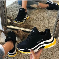 💙 Get free feedback on your own looks & rate other outfits 💙 How many stars would you rate these? Rate fashion and get feedback on your style from all over the world 🌎 The Cute Sneakers, Shoes Sneakers, Sneakers Fashion, Fashion Shoes, Nike Air Shoes, Aesthetic Shoes, Fresh Shoes, Hype Shoes, Outfit Trends