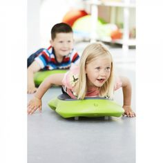 "My kids are going to go crazy over these ""Floor Surfer"" boards on Christmas morning! Up to 25% off + Free Shipping on @Educents! deal, black Friday, Children's gifts http://www.educents.com/floor-surferr.html/"