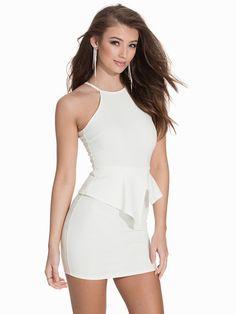 Asymmetric Peplum Dress - Nly One - Offwhite - Festkjoler - Tøj - Kvinde - Nelly.com