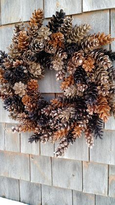 Rustic Maine Pinecone wreath coffee and caramel – christmas decorations Pine Cone Art, Pine Cone Crafts, Pine Cones, Pine Cone Wreath, Nature Crafts, Fall Crafts, Holiday Crafts, Pine Cone Decorations, Christmas Decorations