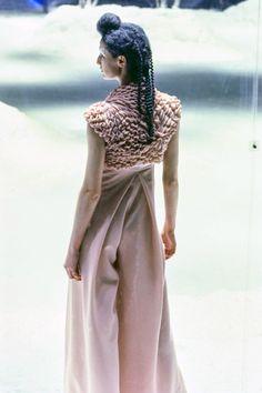 Alexander McQueen Fall 1999 Ready-to-Wear Fashion Show Details