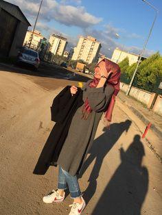 Muslim Women Fashion, Arab Fashion, Hijab Style, Hijab Chic, Simple Hijab, Modest Fashion Hijab, Muslim Hijab, Hijabi Girl, Fake Photo