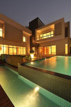 dream house. i want a pool so bad :(
