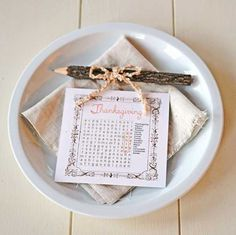 24 Simple DIY Ideas for Thanksgiving Place Cards