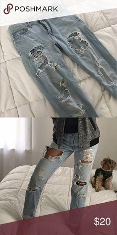 Distressed forever 21 jeans Distressed forever 21 jeans size 26 Forever 21 Jeans Boyfriend