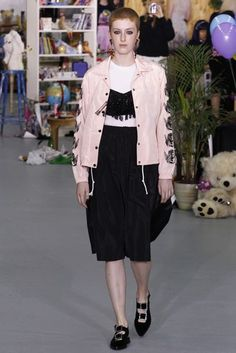 Ashley WIlliams London Spring/Summer 2017 Ready-To-Wear Collection | British…