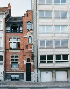 Ugly-Belgian-Houses-by-Hannes-Coudenys_dezeen_468_7.jpg (468×601)
