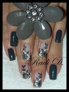 It`s all about nails: Favourite flowers