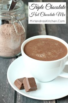 Milk chocolate, white chocolate and Dutch cocoa come together in this classic and decadent hot chocolate mix perfect for every day drinking and gifts. You can make an entire batch of mix in six minutes! My secrets of hot chocolate making mig Homemade Hot Chocolate, Hot Chocolate Bars, Hot Chocolate Mix, Hot Chocolate Recipes, Chocolate Making, White Chocolate, Lindt Chocolate, Chocolate Drizzle, Chocolate Roulade