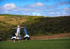 The Estoril Golf Coast, with its big sandy beaches, has seven superb golf courses to choose from.