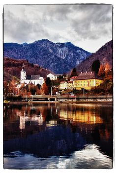 #Ebensee (Upper Austria) with Lake Traunsee in the front and Feuerkogel #travel