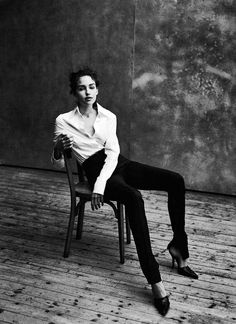 Caroline Eggert by Peter Lindbergh » portrait » girl » lady » boy » bro » guy » lady » woman » photography » session » lights » photo » instagram worthy » bro » dude » wassup man » pins for pins » pinterest » style » fashion » adventure » tones » shading » lighting » family »