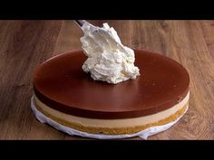 Ez a sütés nélküli torta kétszer is jobb mint a Kinder Torta! Biscuits, Mini Cheesecake, No Cook Desserts, Cream And Sugar, How Sweet Eats, No Bake Cake, Food Inspiration, Chocolate Cake, Baking Recipes