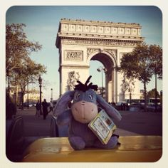Eeyore LOVES Paris