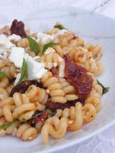 Tinned Tomatoes: Roast Pepper & Sundried Tomato Pasta Salad with Feta