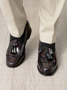 ffd283fbdc5 Burgundy polished leather loafers with a round-toe