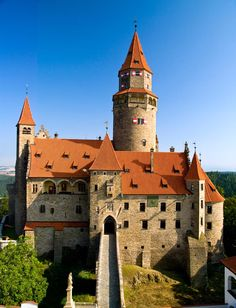 Hrad Bouzov z letadla. This Schloss is an early fortress first mentioned in It was built on a hill Fortification, Ancient Architecture, Beautiful Buildings, Czech Republic, Around The Worlds, Mansions, Slotte, 14th Century, Cities