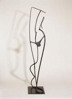 Pablo Gargallo (Maella 1881-Reus 1934) Silhouette di giovane uomo 1933-1934, ferro, cm 93 x 22 x 22