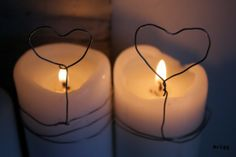 happy valentines day --- candles with wire hearts Christmas Jars, Christmas Crafts, Xmas, Christmas Trees, Decoracion Low Cost, Decoration Christmas, Jar Lights, Diy Candles, White Candles
