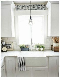 10 Ways to Style Your Kitchen Counter Like a Pro | Kitchens ...