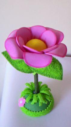 ARTESANATO EM EVA.: Flor Caneta Foam Crafts, Fabric Crafts, Diy And Crafts, Crafts For Kids, Arts And Crafts, Paper Crafts, Craft Projects, Projects To Try, Fairy Birthday Party
