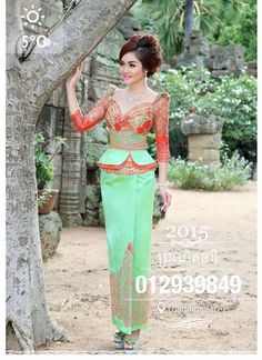 Cambodia dresses Thai Traditional Dress, Traditional Fashion, Traditional Outfits, African Attire, African Dress, Thai Fashion, African Wedding Dress, Thai Dress, Batik Dress