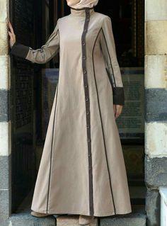 Hijab Fashion One of our favorite styles. So classy! Yusra Jilbab from SHUKR Islamic Clothing Hijab Fashion Sélection de looks tendances spécial voilées Look Descreption One of our favorite styles. So classy! Yusra Jilbab from SHUKR Islamic Clothing Hijab Fashion 2016, Abaya Fashion, Modest Fashion, Fashion Dresses, Muslim Dress, Hijab Dress, Modest Dresses, Modest Outfits, Moslem Fashion