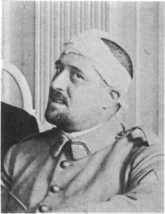 Photograph of Guillaume Apollinaire in spring 1916 after his shrapnel wound to the temple Harlem Renaissance, Robert Delaunay, New Objectivity, Georges Braque, Magic Realism, Writers And Poets, Portraits, World Of Books, Interesting Faces