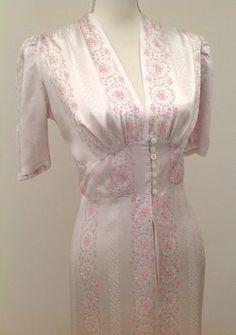1930s robe dressing gown floral liquid satin vintage antique 1940s Fashion  Dresses f88f7bb4c