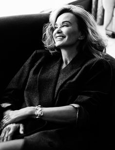 Isn't Jessica Lange stunning? Repin if you're obsessed with American Horror Story or you just love this Golden Globe nominated actress like we do!