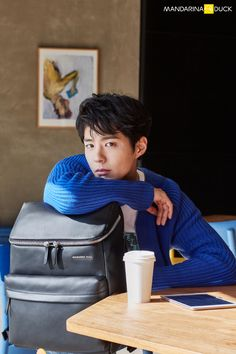 Super smexy and with a dazzling cheeky smile, Park Bo Gum was chosen to show some pieces of the 2017 line for Mandarina Duck backpacks & bags. His smile could sell us just about anything. Asian Actors, Korean Actors, He Jin, Park Go Bum, Kbs Drama, J Star, Over Love, Bo Gum, Kdrama Actors