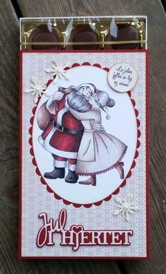 Dekorert toffifee eske. Sweet Box, Christmas Cards, Recycling, Scrap, Paper Crafts, Candy, Christmas E Cards, Tissue Paper Crafts, Xmas Cards