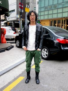 Korean Street Fashion Style featuring Korea's trendiest pedestrians
