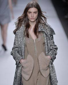 oversized and snuggly pockets from #VanessaBruno #pfw