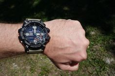 Casio G-Shock GG-1000-1A5JF G-MUDMASTER JAPAN IMPORT This watch is the best choice among all the upcoming smart watches and its varied features makes it a near to perfect watch. But there are is a feature of this watch which can be described as cons but there is nothing to worry as it doesn't make much of a difference.