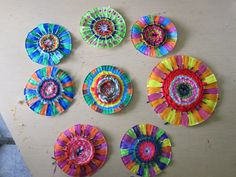 Paper Plate Spiral Weavings & weaving with kids - paper plate weaving NO DIRECTIONS GIVEN (use ...