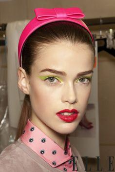 Gorgeous neon bow headband.