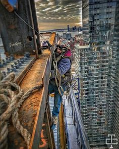 Steel Erectors, Iron Steel, Construction Fails, Construction Worker, Pipeline Welding, Concrete Formwork, Site Photo, Hard Working Man, Drilling Rig