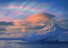 """Spawned by strangely cold temperatures, """"beautiful"""" clouds helped strip the Arctic atmosphere of most of its protective ozone this winter, new research shows. Terrain Texture, Ozone Layer, Exploration, Arctic Circle, Water Droplets, Gods Creation, Natural Phenomena, Beautiful World, Stunningly Beautiful"""