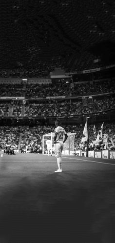 Joueurs Real Madrid, Madrid Football, Cristiano Ronaldo Lionel Messi, Eden Hazard, Soccer, Wallpapers, Club, Sport, Soccer Poster