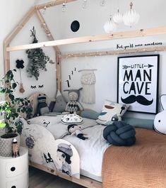 "329 gilla-markeringar, 24 kommentarer - Josefin Danielsson (@josefinidadanielsson) på Instagram: ""Good night friends 🚀✨ #minifabriken_com #minilearners #mrsmighetto #luckyboysunday #melvinsuperhero…"" Good Night Friends, Kids Decor, Home Decor, Move Mountains, Nursery Prints, Man Cave, Toddler Bed, Projects To Try, Room"