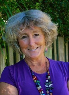 """This week's episode features Patti Clark, author of This Way Up, about helping women recover from various life transitions. we discuss Patti's book, the career renaissance that may come with an empty nest, being in touch with your deepest sense of self, the role that internal fear plays in our lives, the cycle of numbing, finding our flow, the effect of creative projects, paying attention to our distractions, the plague of """"hurry disease"""", the benefits of doing tasks more mindfully & more."""