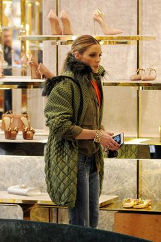 OLIVIA PALERMO Out Shopping in Milan 02/25/2017
