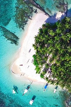"""Siargao is known as the """"Surfing Capital of the Philippines"""", but you don't need to be a surfer to enjoy the beautiful scenery and natural attractions on the island. Siargao Philippines, Voyage Philippines, Philippines Travel, Palawan, Beautiful Islands, Beautiful Beaches, Beautiful Scenery, Manila, Drones"""