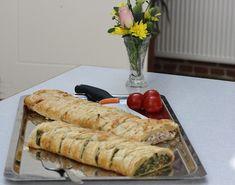Butterdej med laksefyld og spinat Brunch Buffet, Tapas, Bacon, Sandwiches, Recipies, Good Food, Food And Drink, Pork, Pizza