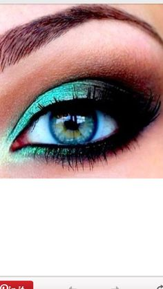 Blue turquoise makeup
